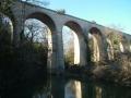 """Viaduc de la """"prise d'eau"""" : ancienne voie de chemin de fer (XIXe s.)"""