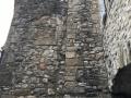 Haut mur avec trace de fenêtre géminée
