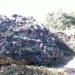 concrétion et traces d'extraction de blocs de calcaire