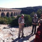 devant le Pont du Gard
