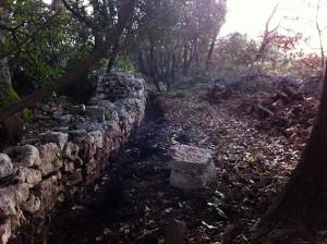 Mur de l'enclos côté chemin