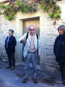 Clément devant l'ancienne maison de Maurice Aliger