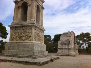 Le Mausolée et l'arc de triomphe et