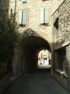 Porche sous l'ancienne mairie